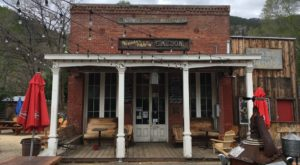 The Oldest Bar In Nevada Has A Fascinating History