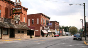 The Tiny Town In Indiana That's Absolute Heaven If You Love Antiquing