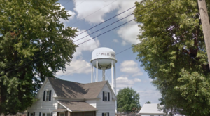 Most People Don't Know These 9 Super Tiny Towns Near Kansas City