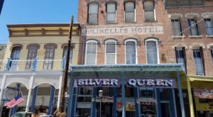 The History Behind This Remote Hotel In Nevada Is Both Eerie And Fascinating