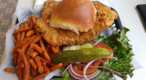 The 10 Best Tenderloins In The Midwest Are Right Here In Indiana