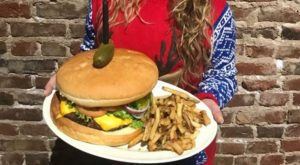 This Tennessee Restaurant Serves The Most Ridiculous Burgers And You'll Want To Try Them