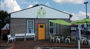 This Colorful Cafe In Tennessee Serves Simply Amazing Food