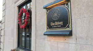 This Restaurant In Pittsburgh Used To Be A Funeral Parlor And You'll Want To Visit