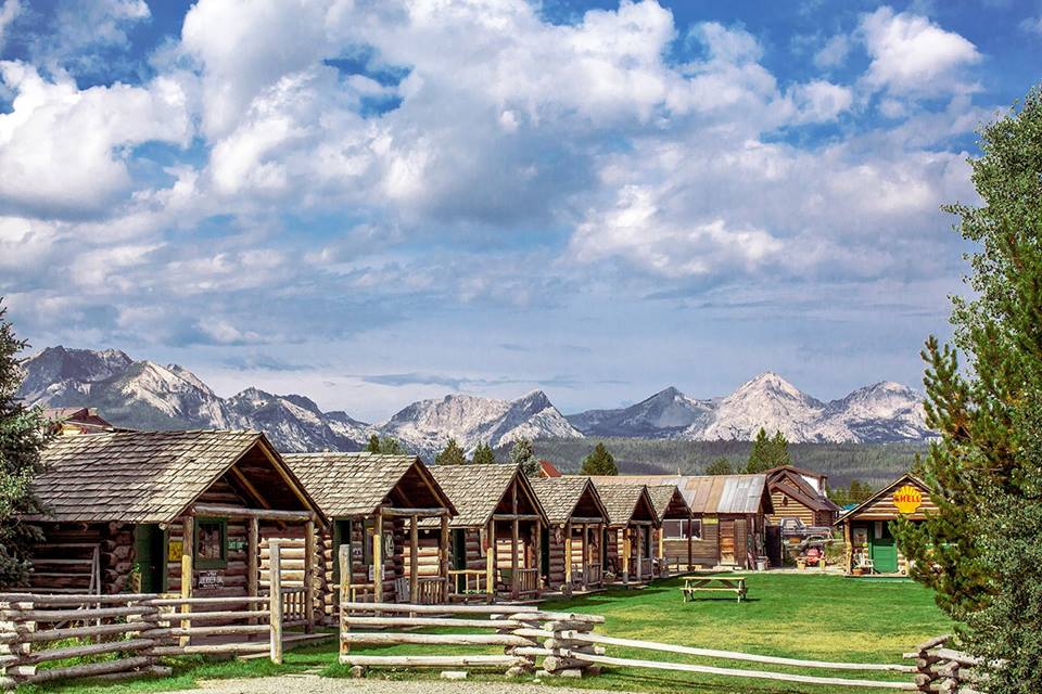 Danner S Cabins Is An Awesome Log Cabin Campground In Idaho