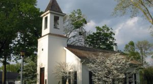 The Most Charming Little Chapel In Cincinnati Is Straight Out Of A Storybook