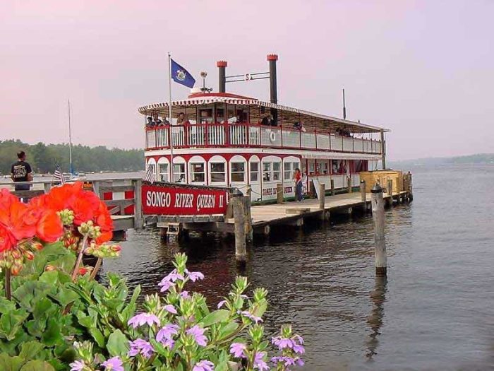 9 boat adventures that show an amazing side of maine for Long lake motor inn