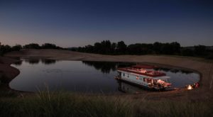 Get Away From It All With A Stay In These Incredible Iowa Houseboats
