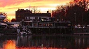 This One-Of-A-Kind Connecticut Restaurant Is On An Antique Barge And You'll Want To Visit
