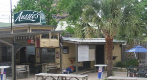 The Beach-Themed Restaurant In Austin Where It Feels Like Summer All Year Long