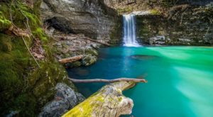 Here Are The 12 Most Colorful Places To Visit In Arkansas This Spring