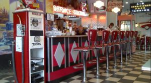 You'll Absolutely Love This 50s Themed Diner In Ohio