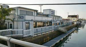 This Amazing Seafood Shack On The Southern California Coast Is Absolutely Mouthwatering