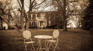 The History Behind This Remote Hotel In Kentucky Is Both Eerie And Fascinating