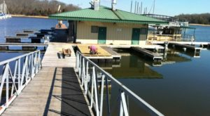 This Floating Restaurant Has Some Of The Most Enchanting Waterfront Views In Nashville