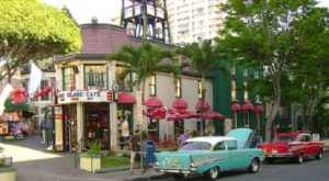 You'll Absolutely Love This 50s Themed Diner In Hawaii