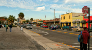 One Of The World's Best Streets For Antiquing Is Right Here In Florida