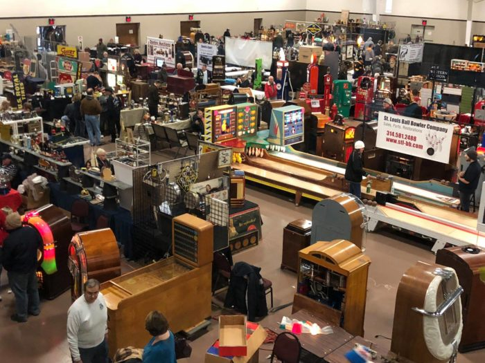 Chicagoland Antique Show In Illinois For Jukeboxes And