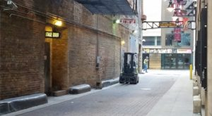 The History Behind Illinois' Alley Of Death Is Absolutely Heartbreaking