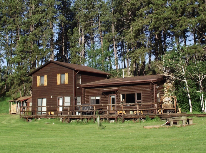 Stay at camp custer log cabins on your black hills vacation for Cabins near custer sd