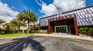 This Movie Theater In Florida Is Also A Restaurant And You'll Absolutely Love Your Visit