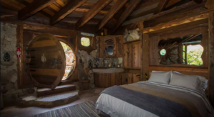 The Whimsical Hobbit House In Southern California Where You Can Spend The Night