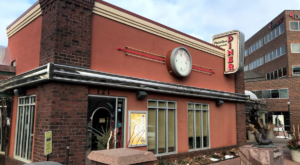 You'll Absolutely Love This 50s Themed Diner In South Dakota