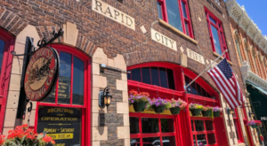 This Firehouse In South Dakota Is Actually A Restaurant And You'll Want To Eat Here