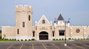 There's A Cheese Castle Hiding In Wisconsin And It's As Amazing As It Sounds