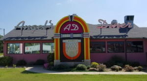 You'll Absolutely Love This 50s Themed Diner In Oklahoma