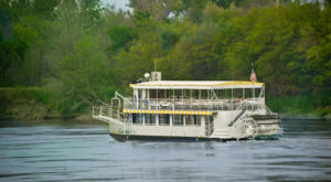 This Floating Restaurant Has Some Of The Most Enchanting Waterfront Views In Nebraska