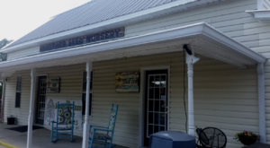 The Small Town Restaurant In Alabama That's Deliciously Charming And Worth The Detour