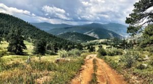 6 Secret Scenic Hikes Near Denver That Almost Nobody Knows About