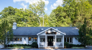 This Restaurant Way Out In The Connecticut Countryside Has The Best Doggone Food You've Tried In Ages