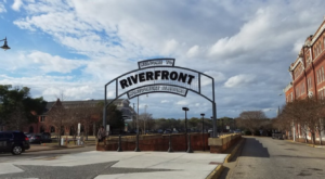 The Lively Riverfront Park In Alabama That's Perfect For A Day Trip