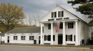 The Oldest General Store Near Boston Has A Fascinating History