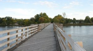 The Beautiful Bridge Hike In Nebraska That Will Completely Mesmerize You