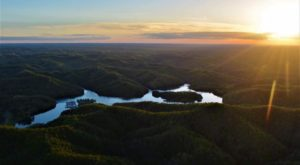 The Hidden Mountain Lake In Kentucky That's So Worth Finding