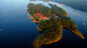 Arkansas' Only Island Resort Needs To Be On Your Bucket List
