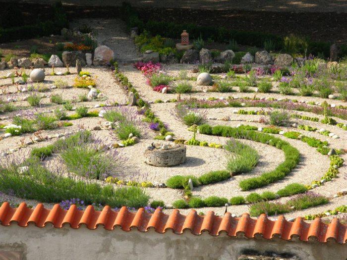 alice 39 s garden is best secret garden in milwaukee. Black Bedroom Furniture Sets. Home Design Ideas