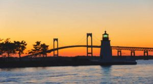 This Twilight Boat Ride In Rhode Island Will Take You On An Unforgettable Dinner Adventure
