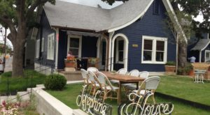 This Charming Cottage In Austin Serves The Most Scrumptious Brunch You've Ever Tasted