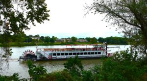 Spend A Perfect Day On This Old-Fashioned Paddle Boat Cruise In Ohio