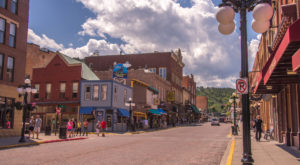 The Small Town In South Dakota That's One Of The Most Unique In The Entire U.S.
