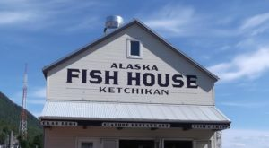 Head To This Seaside Dining Spot For The Most Amazing Alaska Seafood
