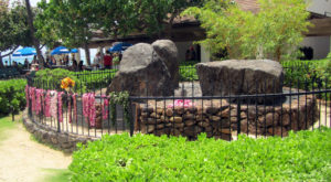 Visit This Mystical Rock In Hawaii That's Said To Have Healing Powers