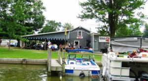 9 Lakeside Restaurants In Ohio You Simply Must Visit This Time Of Year