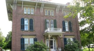 This Plantation Mansion Is A Walk Through West Virginia History You Don't Want To Miss