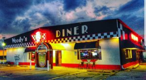 You'll Absolutely Love This 50s Themed Diner In Illinois