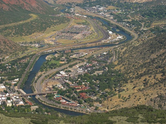 """glenwood springs big and beautiful singles Glenwood hot springs pool cherished as """"yampah"""" by the ute indians, meaning big medicine, you can rejuvenate in the world's largest hot spring mineral pool, or soothe your spirit at one of our award-winning spas."""